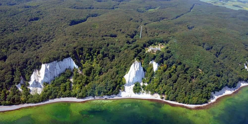 luftaufnahme kreidefelsen jasmund nationalpark insel ruegen | Haus Friedrich Göhren