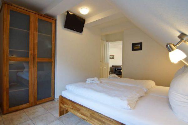 schlafzimmer-fewo-auf-ruegen-haus-friederich-goehren-ferienwohnung-moewennest